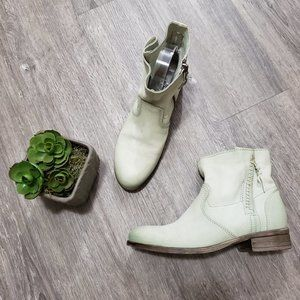 MJUS Mint Green Leather Ankle Booties 38